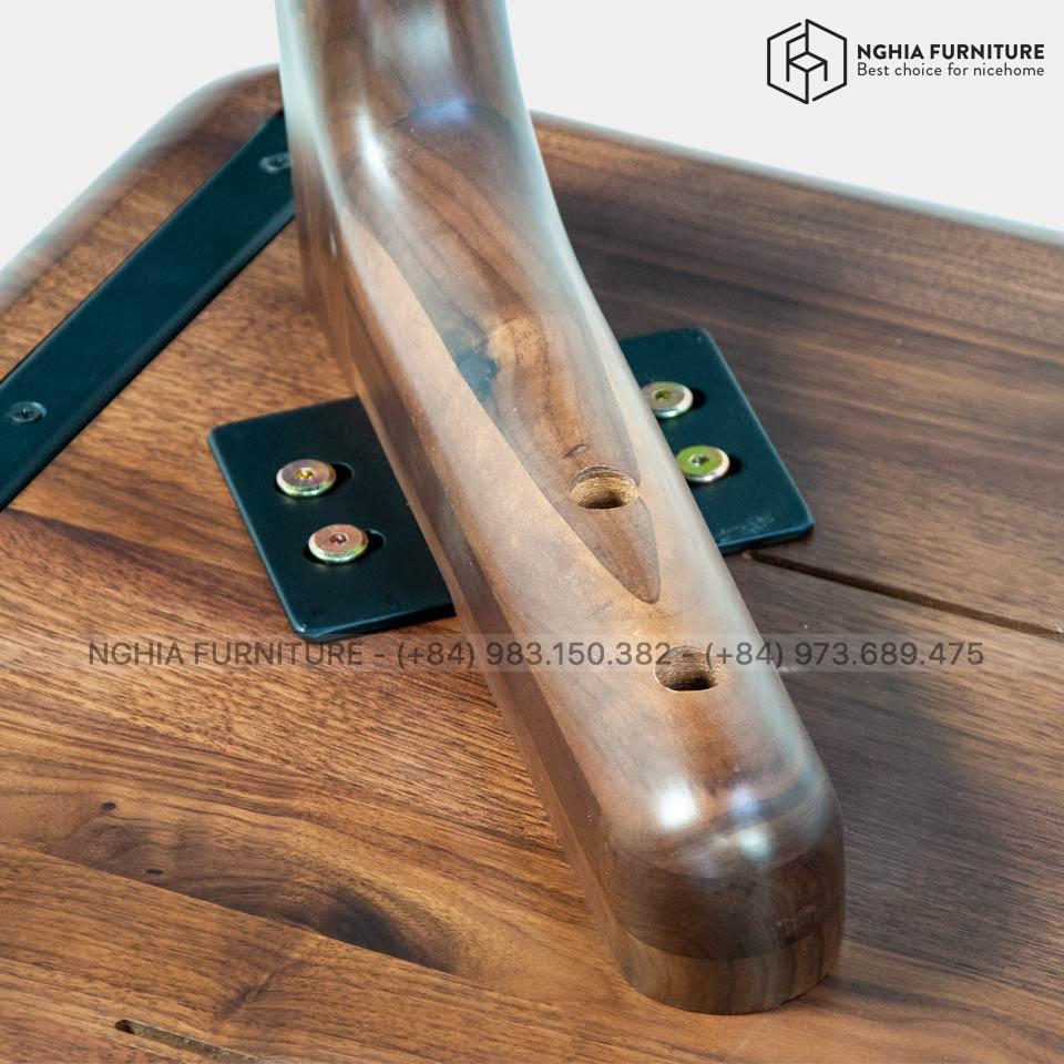 classic-walnut-table-1m4