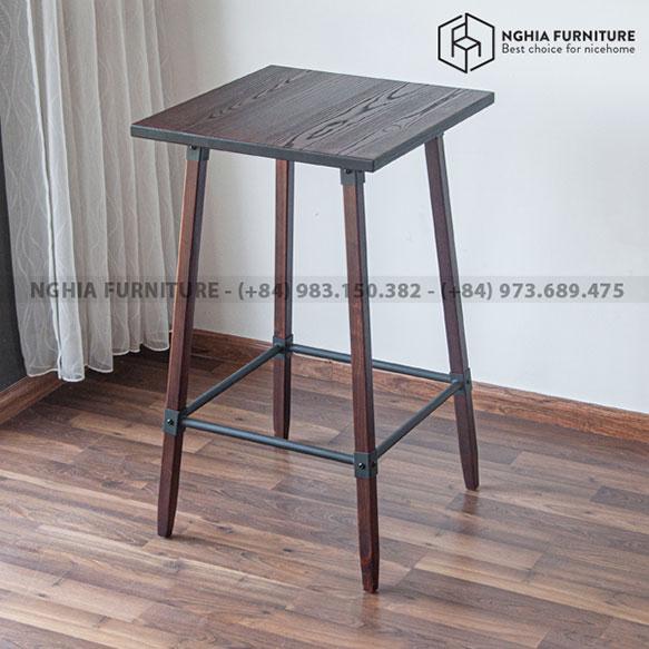 Tia Table 04